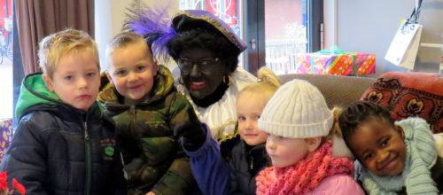 In het Sinterklaashuis. Tekst en foto's : Joke Veldman