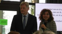 Bestuurder Helene Wust met de staatssecretaris