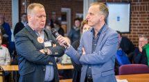 VVD lijsttrekker John Smits met Erik Driessen, één van de debatleiders. Foto: Erik Eenkhoorn