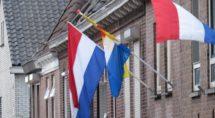 Veel inwoners hadden de vlag wel halfstok hangen.