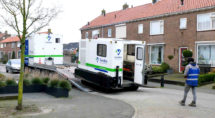 In februari werd nog bodemonderzoek gedaan in de wijk (Foto: Peter Leenhouts)